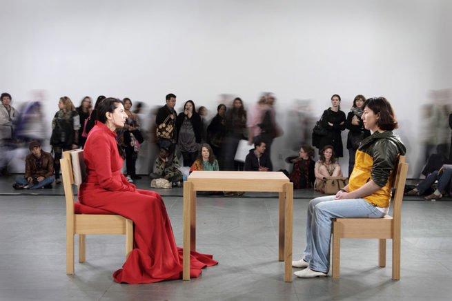 Performance realizada no MOMA em 2010 resumiu a trajetória da artista