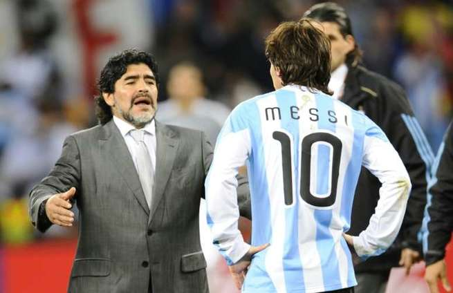 Maradona chegou a atuar como treinador da seleção argentina