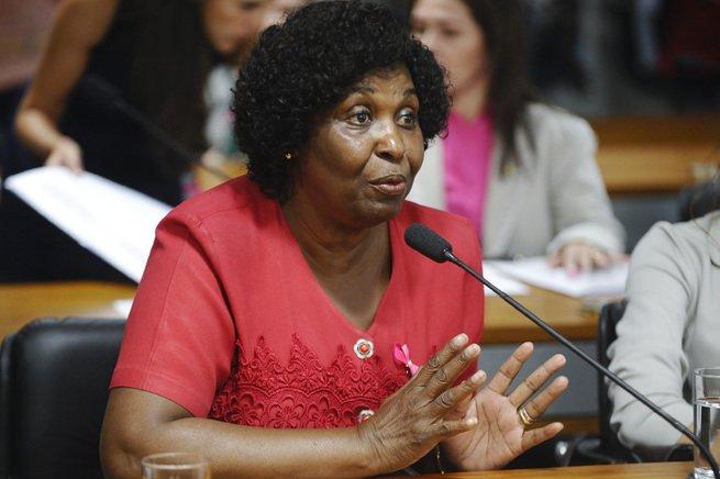 Benedita da Silva primeira senadora negra do Brasil