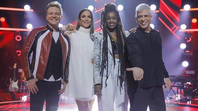 IZA é jurada do programa de televisão The Voice Brasil