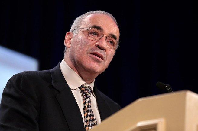 retrato de Garry Kasparov