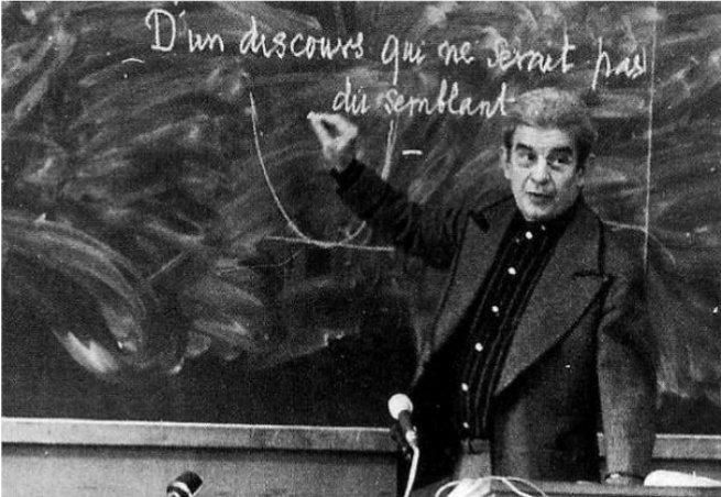 Lacan proferiu uma série de seminários quinzenais na Universidade de Paris