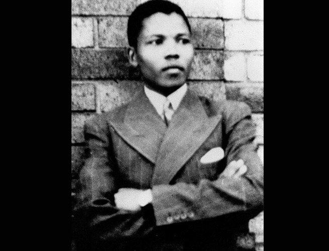 Nelson Mandela com cerca de 20 anos de idade