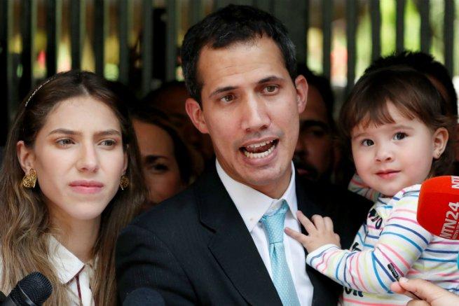 Guaido, a esposa e a filha