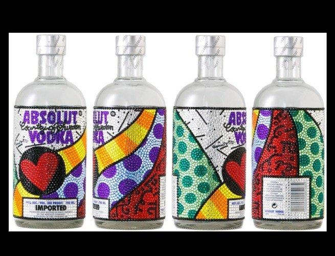 Embalagem de vodka ilustrada por Romero Britto