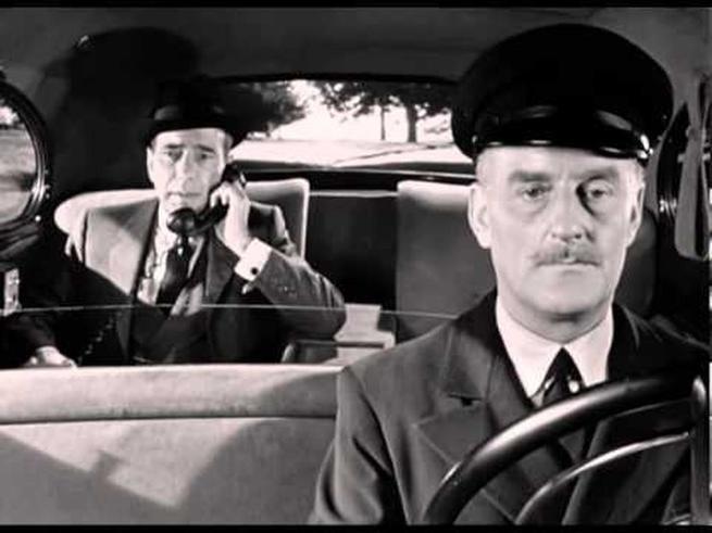 Cena do filme Sabrina (1954), pela primeira vez um car phone é apresentado ao grande público