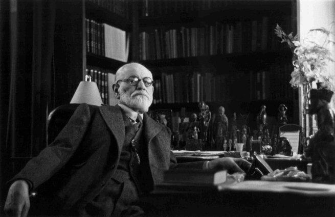Freud em seu escritório